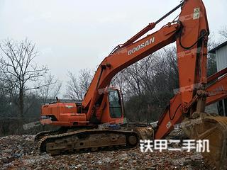 斗山DH220-7挖掘机