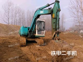 山猫E80挖掘机