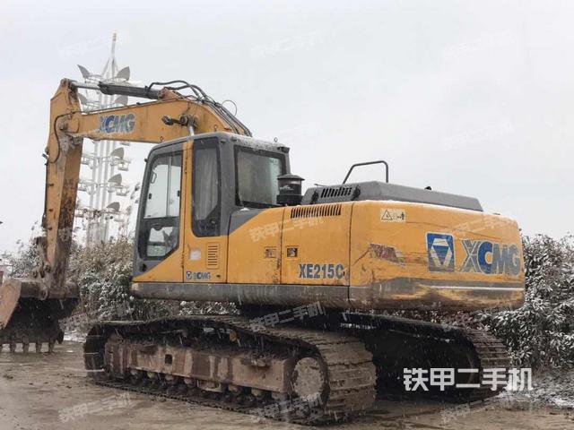 江苏盐城市徐工XE215CA挖掘机