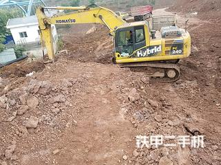 小松HB215LC-1挖掘机