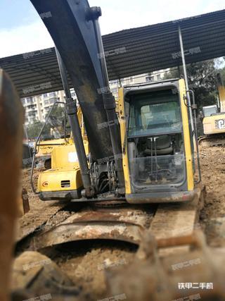 中联重科ZE220挖掘机