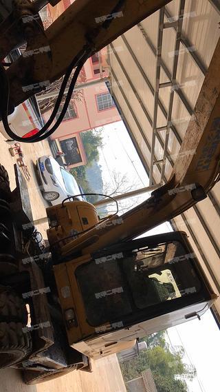 愚公机械WYL75×4-8挖掘机