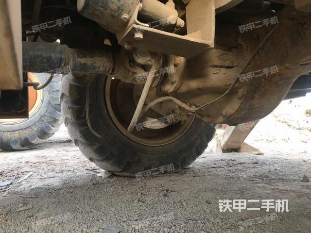 新疆哈密地区徐工WZ30-25两头忙