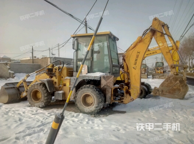 新疆昌吉回族自治州临工LGB680两头忙