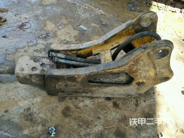 湖南衡阳市水山SB43三角型破碎锤