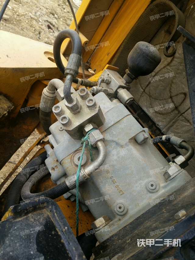 贵州毕节市龙工LG6085挖掘机
