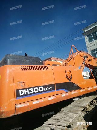 斗山DH300-7挖掘机
