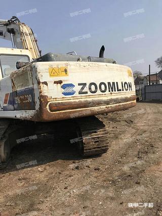 中联重科ZE230E挖掘机
