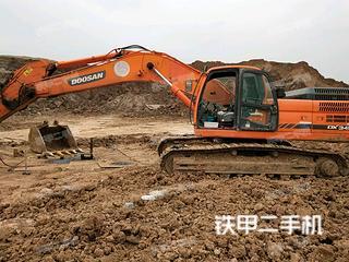 斗山DX345挖掘机