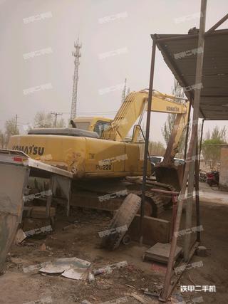 小松PC220-6E挖掘机