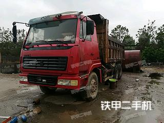 中国重汽4X2工程自卸车