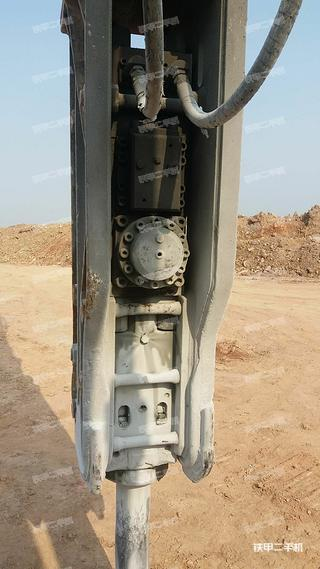 水山SB140塔型破碎锤