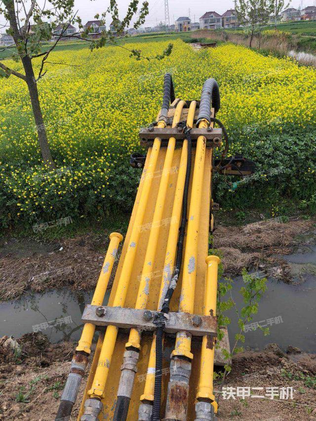 江苏盐城市现代R55-7挖掘机