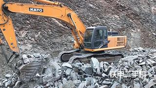 加藤HD1638R挖掘机