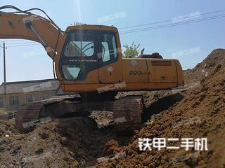 现代HX220L挖掘机