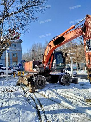 日立ZX130W挖掘机