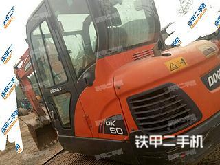 斗山DX60挖掘机