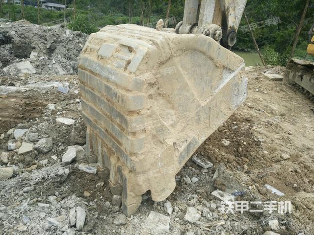 广西贺州市小松PC130-7挖掘机