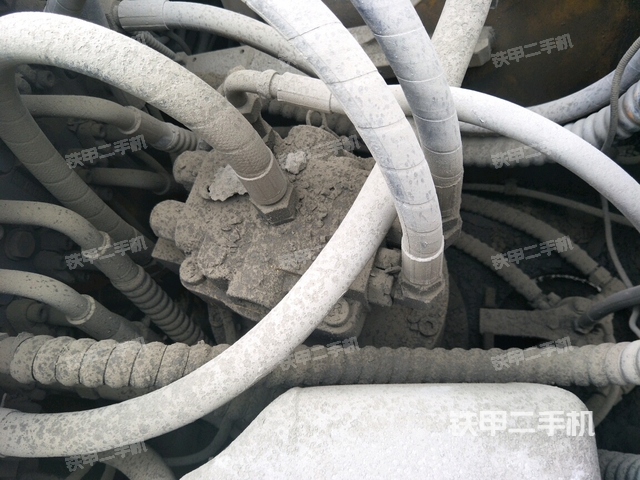 陕西商洛市雷沃重工FR230-7挖掘机
