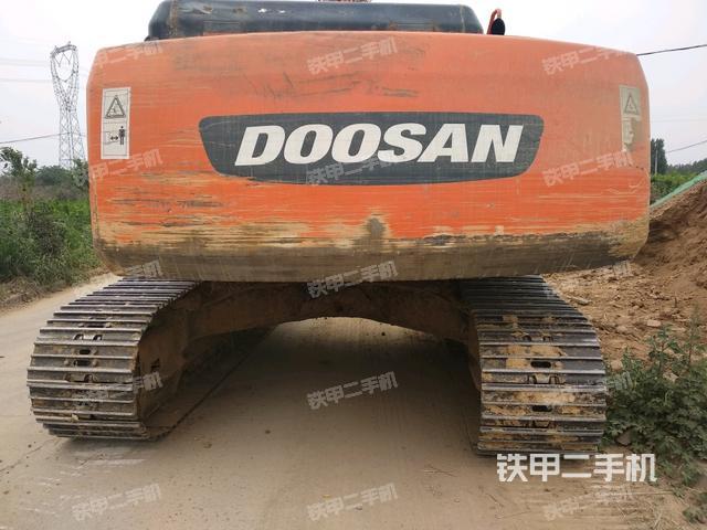 河南鹤壁市斗山DH225LC-7挖掘机