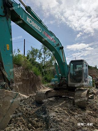 神钢SK250挖掘机