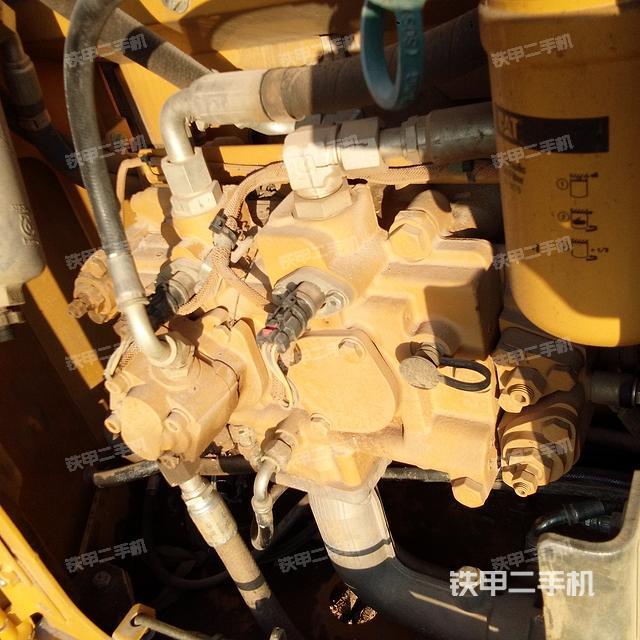 湖北咸宁市卡特彼勒313D2GC挖掘机