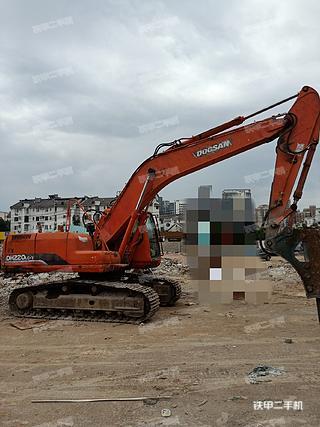 斗山DH215-7挖掘机