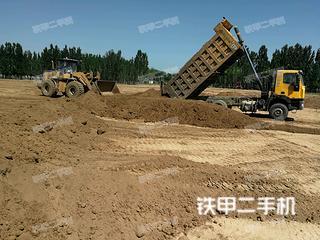 红岩8X4工程自卸车