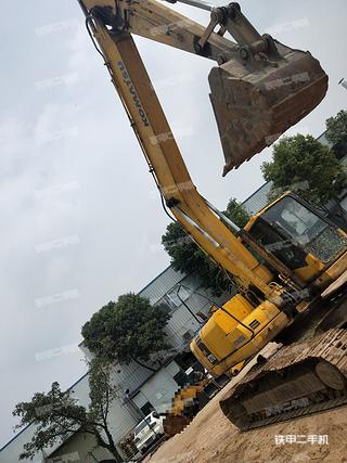 小松PC220-7挖掘机