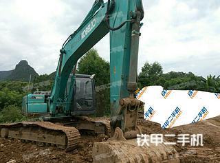 神钢SK210D挖掘机