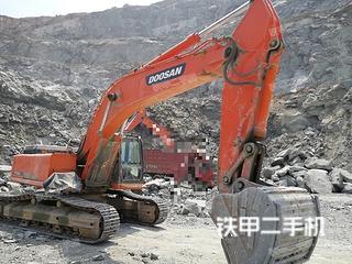 斗山DX380LC挖掘机