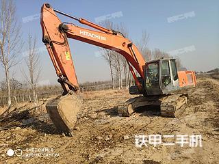 日立ZX240-3挖掘机实拍图片