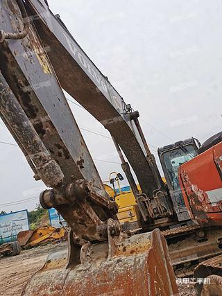 四川-绵阳市二手沃尔沃EC250D挖掘机实拍照片