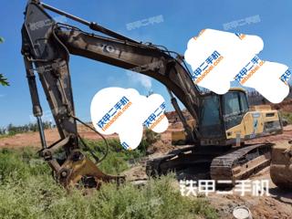 沃尔沃EC300DL挖掘机实拍图片