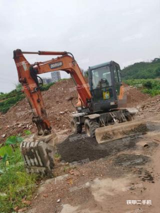 斗山DX60W挖掘机实拍图片