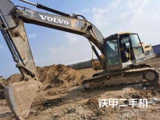 沃尔沃EC220D挖掘机实拍图片