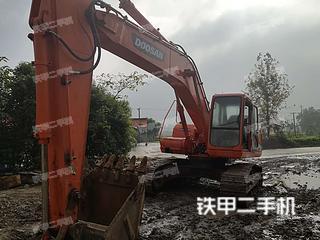 斗山DH220LC-V挖掘机实拍图片