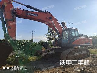 斗山DX520LC-9C挖掘机实拍图片