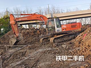 日立ZX240-3G挖掘机实拍图片