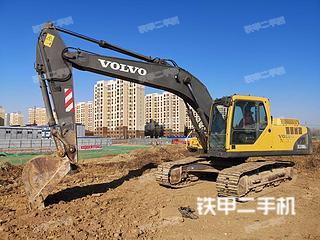 沃尔沃EC210BLC挖掘机实拍图片