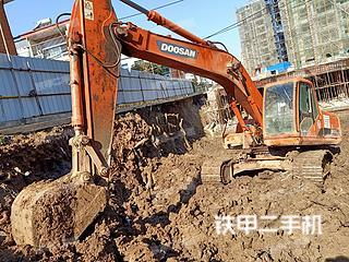 信阳斗山DH220LC-7挖掘机实拍图片