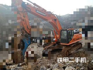 斗山DX380LC挖掘机实拍图片
