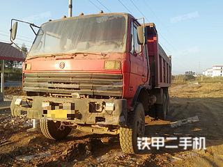 东风8X4工程自卸车实拍图片