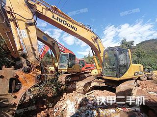 柳工CLG225C挖掘机实拍图片