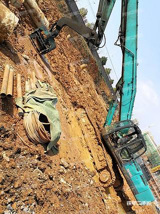 湖南-娄底市二手神钢SK350LC-8挖掘机实拍照片