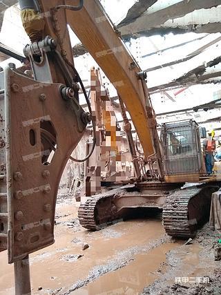 柳工CLG950E挖掘机实拍图片