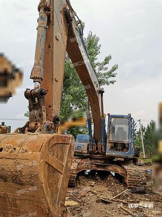 恒天九五JV235LC五十鈴挖掘機實拍圖片