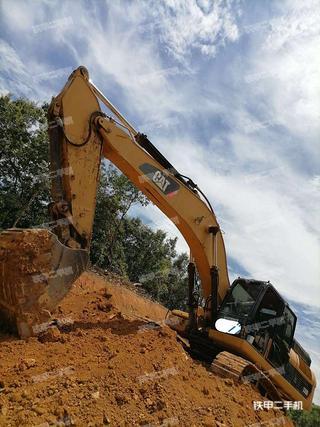云南-文山壮族苗族自治州二手卡特彼勒336D液压挖掘机实拍照片
