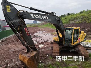 沃爾沃EC240BLC挖掘機實拍圖片