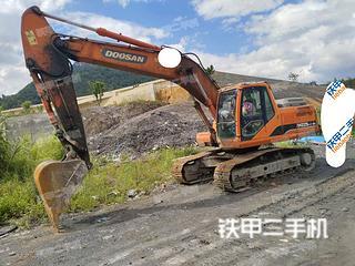 斗山DH215-9E挖掘机实拍图片
